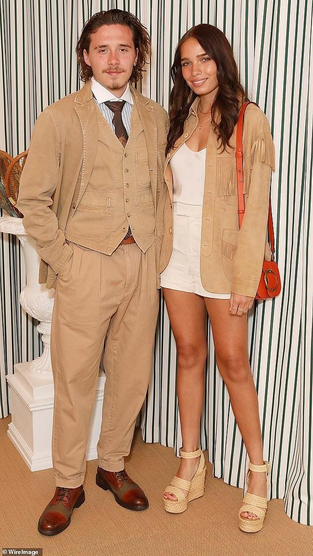 Cậu cả nhà Beckham như ông cụ, cùng bạn gái đi xem chung kết Wimbledon 2019 - Ảnh 2.
