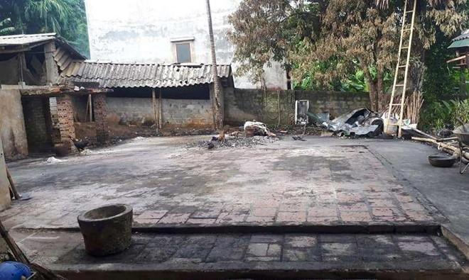 Nhà của bà nội thủ môn Bùi Tiến Dũng bị thiêu rụi trong đêm - Ảnh 3.