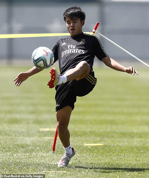 Messi Nhật Bản gây ấn tượng ở Real Madrid, sắp đá cùng Hazard, Bale - Ảnh 1.