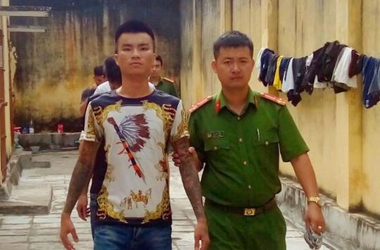 Nhóm côn đồ bảo kê thu 20.000 đồng/xe taxi chở khách tham quan khu FLC ở Sầm Sơn - Ảnh 2.