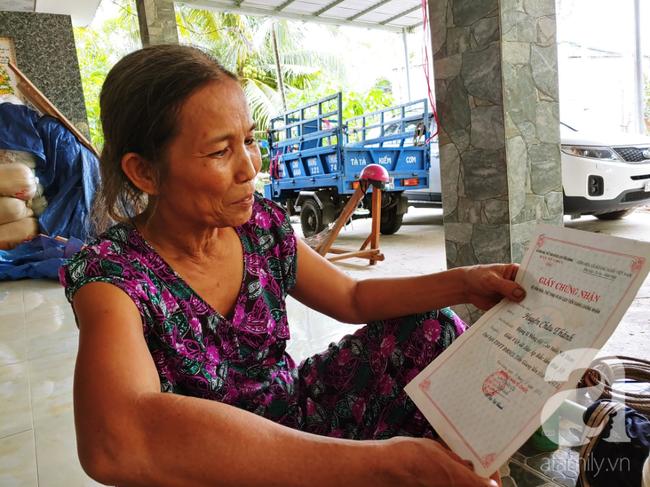 Nụ cười giòn tan của bà ngoại 12, kể chuyện mang bầu 6 tháng vẫn leo trên ngọn dừa, cất được nhà trăm triệu cho chồng - Ảnh 15.