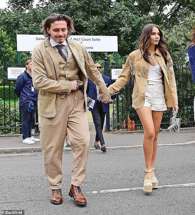 Cậu cả nhà Beckham như ông cụ, cùng bạn gái đi xem chung kết Wimbledon 2019 - Ảnh 3.