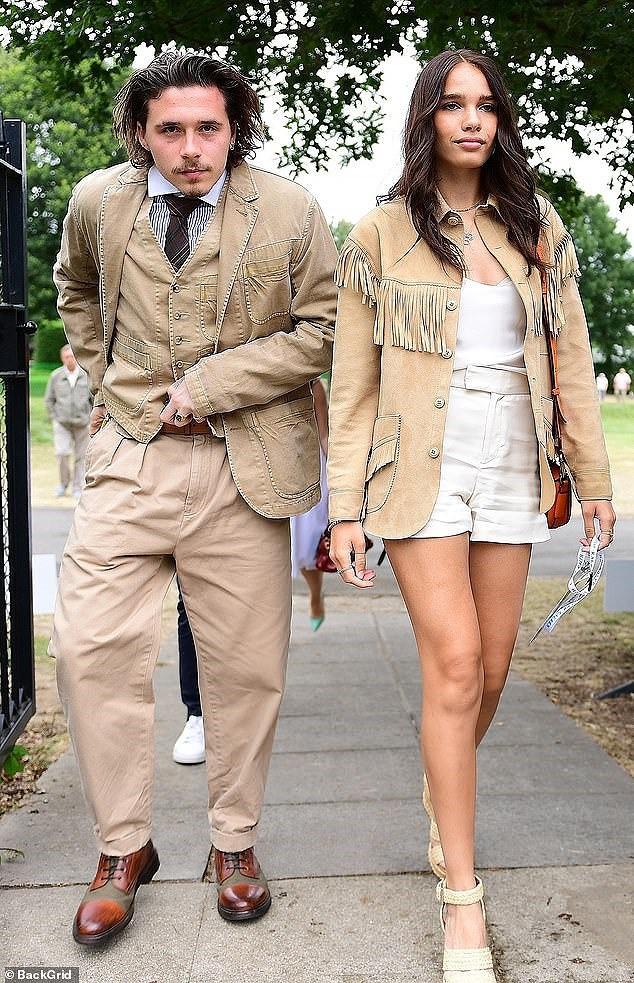 Cậu cả nhà Beckham như ông cụ, cùng bạn gái đi xem chung kết Wimbledon 2019 - Ảnh 4.