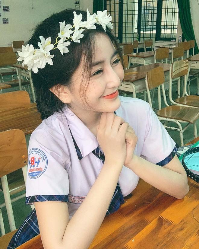 Xôn xao bảng điểm thi THPT Quốc gia của Võ Ngọc Trân - nữ sinh hot nhất Sài Gòn: HSG Văn nhưng chỉ được 6.5 điểm, tiếng Anh 4.8? - Ảnh 5.