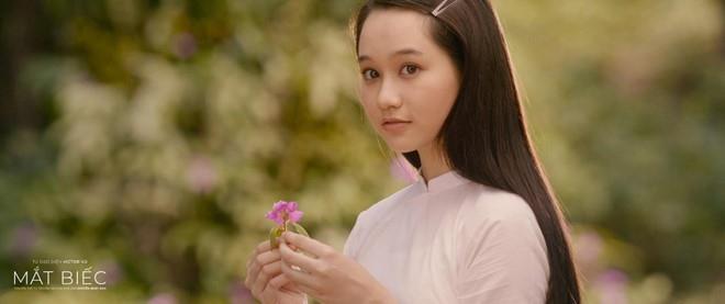 Bất ngờ với hình ảnh gợi cảm của nữ chính phim Mắt biếc - Ảnh 1.