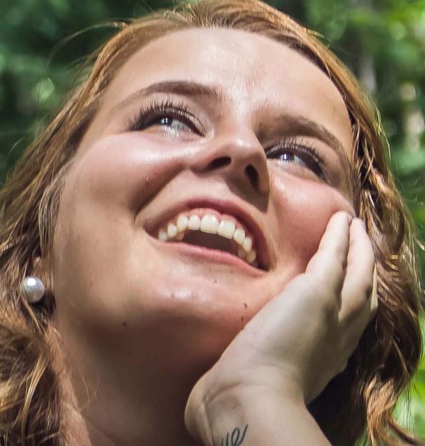Theo bạn thì ai là người cười giả tạo nhất? Chọn số mấy cũng thể hiện rõ tính cách - Ảnh 4.