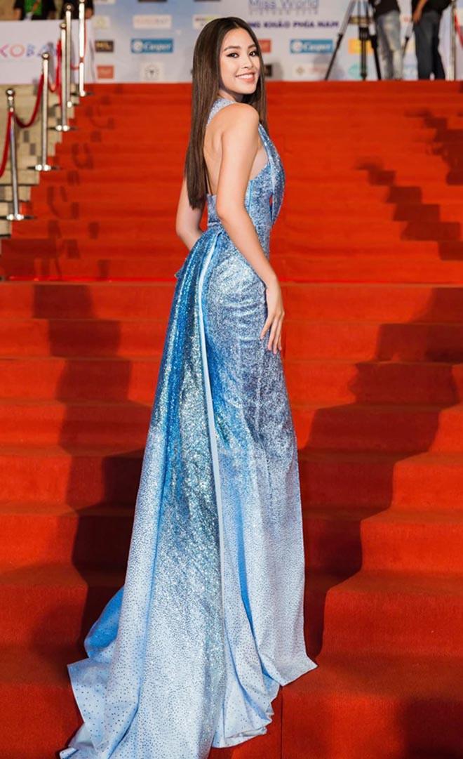 Tiểu Vy nghiện khoe lưng trần sexy sau 10 tháng đăng quang Hoa hậu Việt Nam - Ảnh 5.