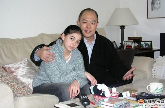 Càn Long Trương Thiết Lâm: Yêu hết mực con gái lai Tây xinh đẹp, mất 30 tỷ vẫn không thèm nhìn mặt con rơi - Ảnh 2.