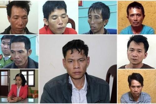 Lường Văn Hùng ngồi sau xe máy diễn tả lại hành vi phạm tội ở vụ sát hại nữ sinh giao gà - Ảnh 3.