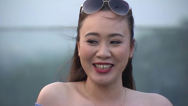Diễn viên phim Về nhà đi con: Cảnh tình cảm giữa tôi và Vũ quay đi quay lại tới 10 lần! - Ảnh 1.