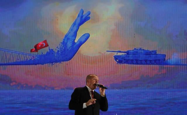 Đòn hiểm của TT Putin: Tung cú đánh trời giáng bằng tên lửa S-400 khiến NATO rung chuyển - Ảnh 1.