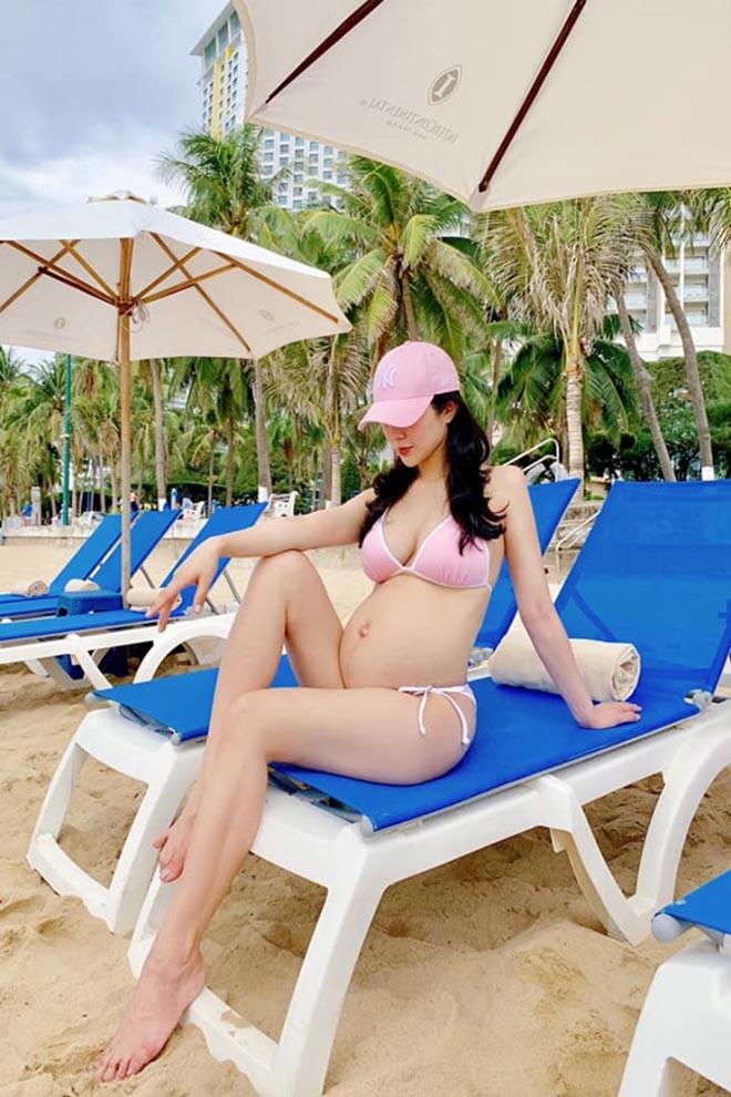 Diệp Lâm Anh mang bầu lần 2: Sống sang chảnh, nghiện chụp ảnh bikini nóng bỏng - Ảnh 11.