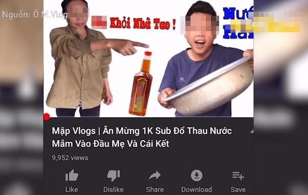 Dội thau nước mắm lên đầu mẹ để mừng kênh đạt 1.000 đăng ký, Youtuber bị 'ném đá' dữ dội - ảnh 1