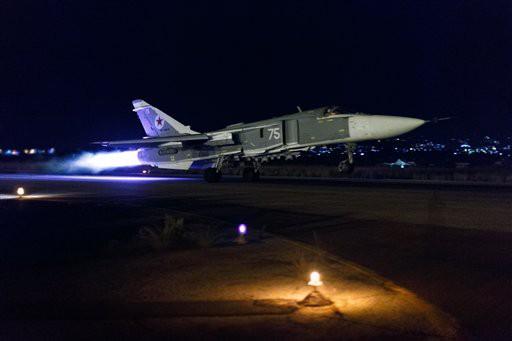 Máy bay tối tân của Mỹ áp sát Syria - Căn cứ Khmeimim đầu não Không quân Nga bị tấn công - Ảnh 10.