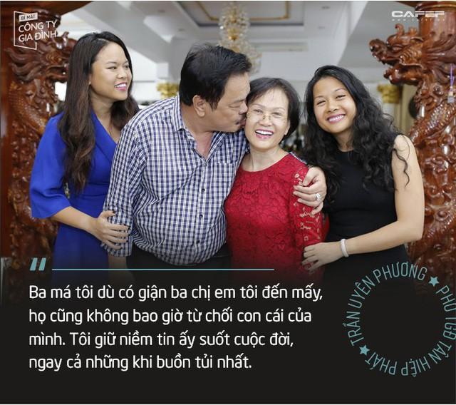 """Trần Uyên Phương: Người ta nói chúng tôi """"trúng số cuộc đời"""", còn ba bảo làm con Dr Thanh may mắn thật nhưng cũng """"bạc phước"""" đấy! - Ảnh 4."""