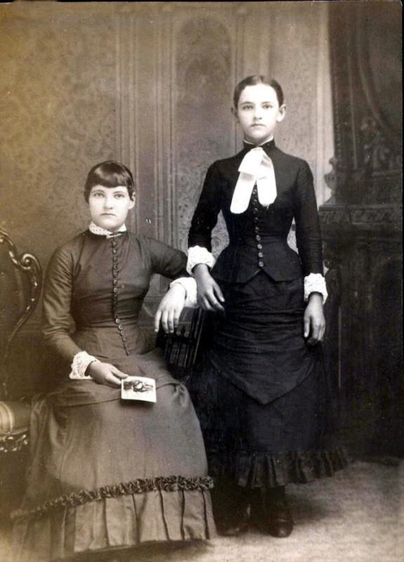 Chi tiết rùng rợn đằng sau bức ảnh gia đình và trào lưu chụp ảnh lạ lùng nhưng cực nổi tiếng ở Anh từ thời Nữ hoàng Victoria - Ảnh 11.