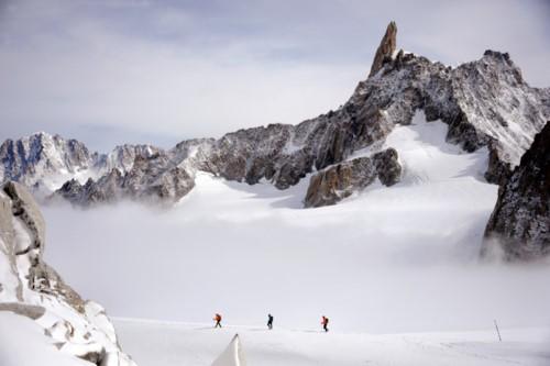 Xuất hiện hồ tuyệt đẹp trên dãy núi Alps: Dấu hiệu đáng báo động - Ảnh 3.