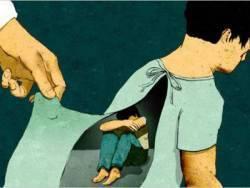 Đón con từ trường mẫu giáo về, bố kinh hoàng phát hiện con trai 4 tuổi bị thầy giáo xâm hại - Ảnh 3.
