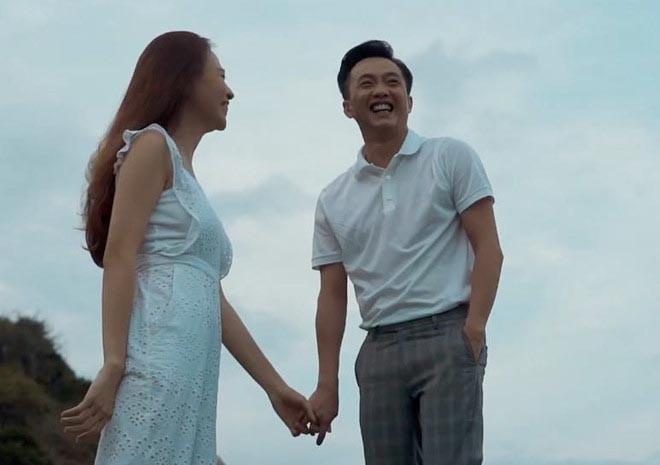 Đàm Thu Trang ngồi siêu xe, hôn Cường Đô la ngọt ngào trước ngày cưới - Ảnh 1.