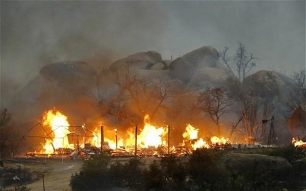 Bức ảnh 19 lính cứu hỏa cùng chung một số phận và câu chuyện thảm kịch trong vụ cháy rừng kinh hoàng nhất lịch sử nước Mỹ - Ảnh 3.