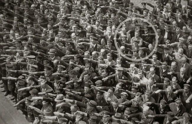 Những bức ảnh lịch sử hiếm có bạn chưa từng xem qua - Ảnh 6.