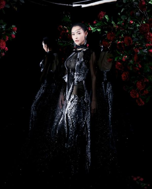 Trương Bá Chi đẹp kiêu sa khi diện trang phục của nhà thiết kế Tuyết Lê - ảnh 3