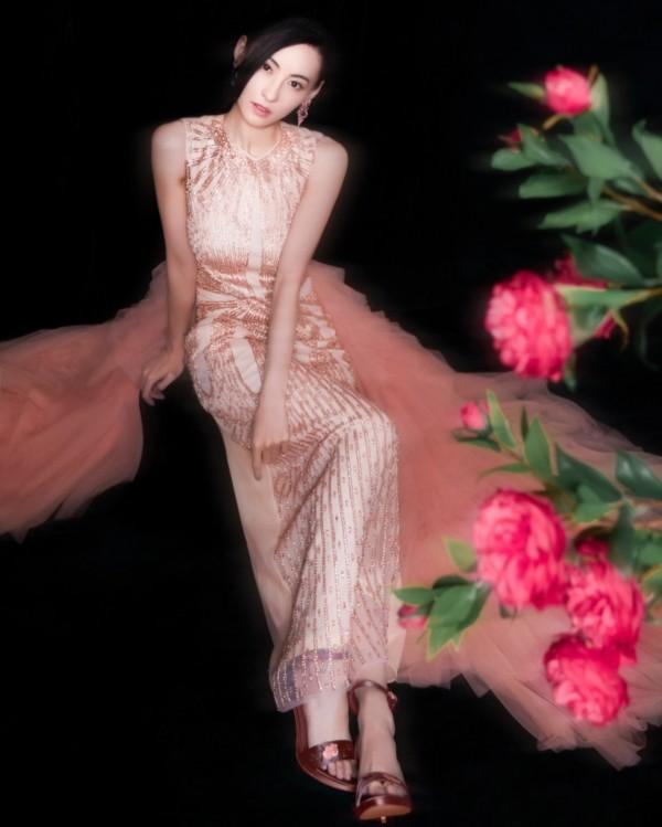 Trương Bá Chi đẹp kiêu sa khi diện trang phục của nhà thiết kế Tuyết Lê - ảnh 5