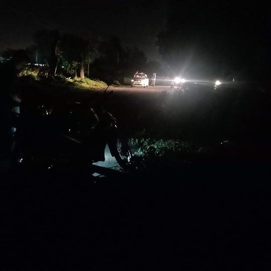 Tài xế taxi Vinasun bị cướp cứa cổ vẫn cố chạy đến gần nhà dân kêu cứu - Ảnh 1.