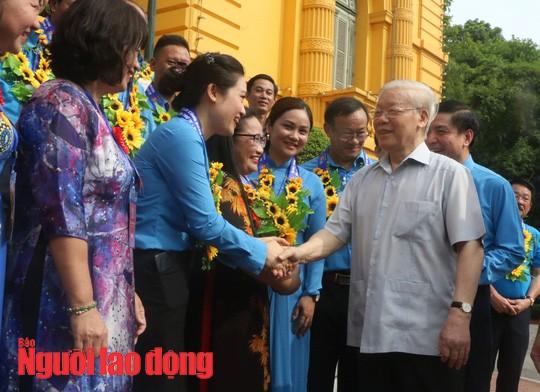 Tổng Bí thư, Chủ tịch nước Nguyễn Phú Trọng gặp mặt cán bộ Công đoàn tiêu biểu  - Ảnh 1.