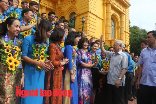 Tổng Bí thư, Chủ tịch nước Nguyễn Phú Trọng gặp mặt cán bộ Công đoàn tiêu biểu  - Ảnh 2.