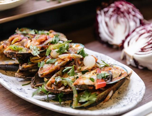 Người Việt vẫn bị chê thiếu văn minh khi ăn tiệc buffet, vậy đâu là cách ăn thật sang mà lại huề được vốn bỏ ra ban đầu? - Ảnh 6.