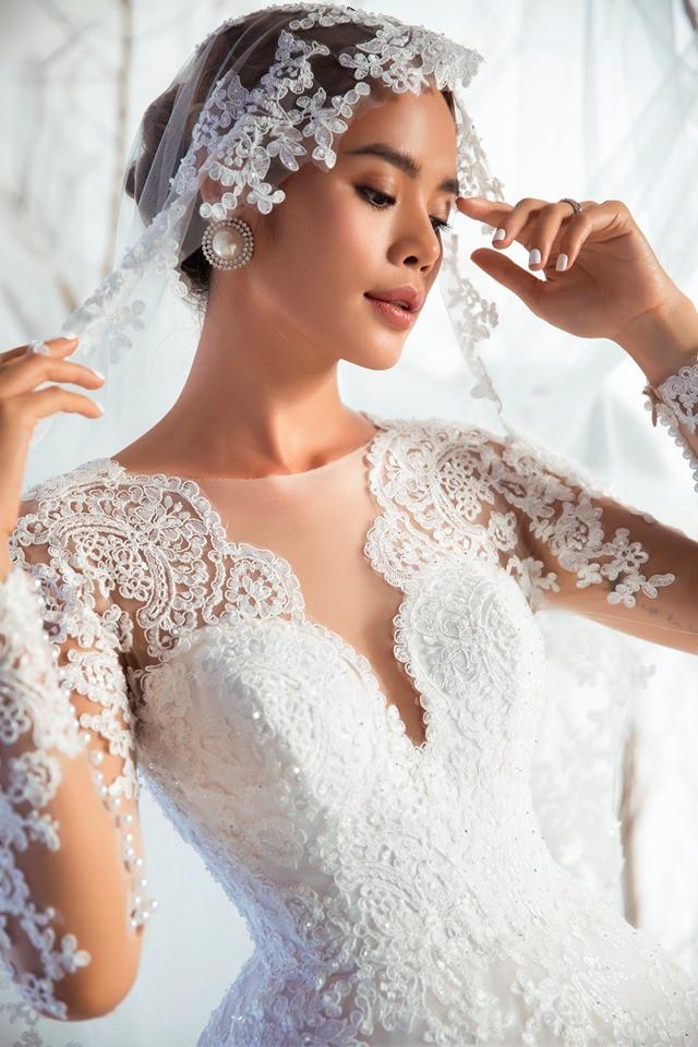 Á quân The Face Quỳnh Anh và Thu Hiền đọ sắc khi mặc váy cưới - Ảnh 7.