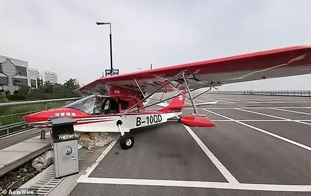 Nhân viên sân bay giật mình vì máy bay suýt bị đánh cắp, truy lùng được danh tính kẻ trộm thì ai cũng phát hoảng thốt lên tuổi trẻ tài cao - Ảnh 3.