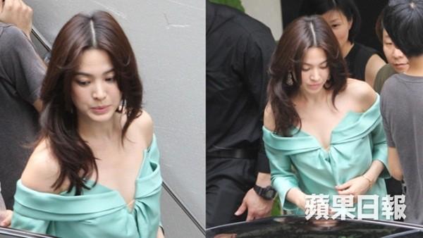 Đâu phải bây giờ mới táo bạo, Song Hye Kyo từng có những khoảnh khắc khoe vòng 1 đầy đặn nóng bỏng thế này cơ mà  - Ảnh 3.