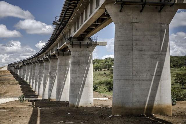 """Thảm cảnh đường sắt Trung Quốc xây ở Kenya: Lơ lửng giữa 'hư không"""" - ảnh 3"""