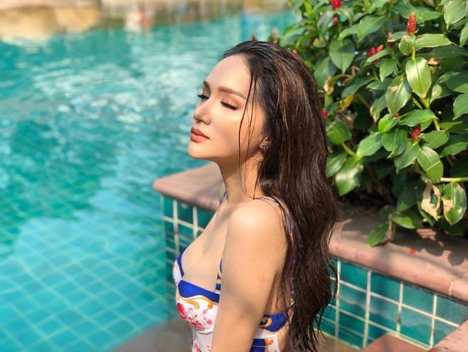 Hoa hậu chuyển giới Hương Giang khoe ảnh mặc bikini gợi cảm - ảnh 4