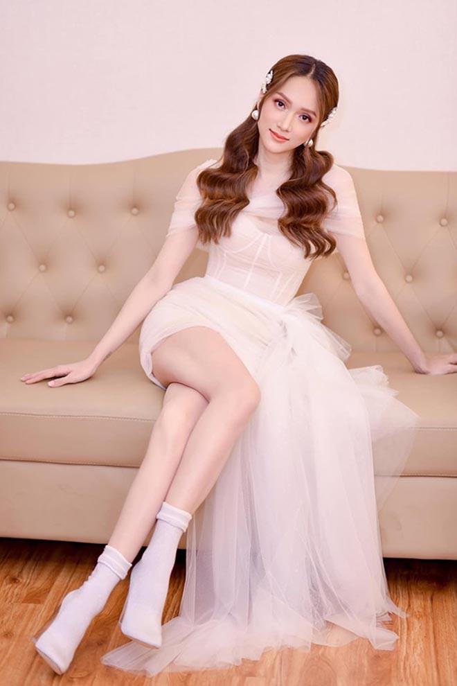 Hoa hậu chuyển giới Hương Giang khoe ảnh mặc bikini gợi cảm - ảnh 10