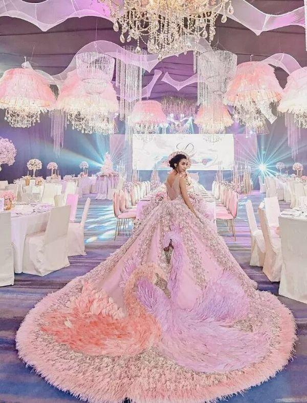 Choáng với tiệc sinh nhật xa xỉ gần 700 triệu của ái nữ nhà giàu, khách mời còn được tặng túi Louis Vuitton - Ảnh 3.