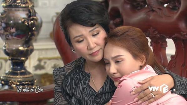 Nghệ sĩ Ngân Quỳnh tiết lộ cảnh quay xúc động nhất Về Nhà Đi Con: 'Tôi chạy theo xe taxi mà òa khóc' - ảnh 4
