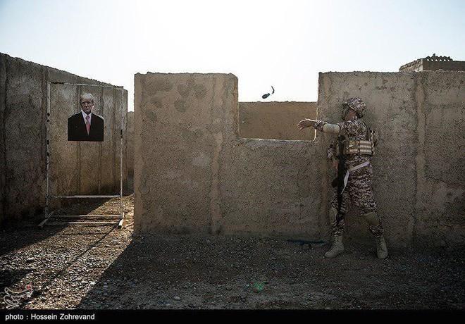 Tàu ngầm hạt nhân chất đầy sát thủ Tomahawk ập tới Iran - Mạnh đến mức nào? - Ảnh 17.