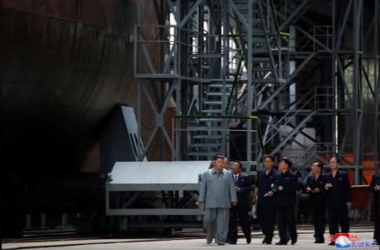 IRBM và SLBM: Hai nắm đấm thép hạt nhân của Triều Tiên khiến Mỹ sốt vó chuẩn bị đàm phán? - Ảnh 2.
