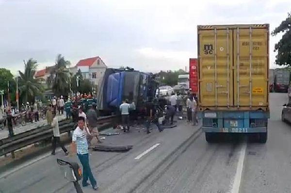 Hải Dương: Xe tải chở nước đè 5 người tử vong khi đứng chờ sang đường - Ảnh 1.