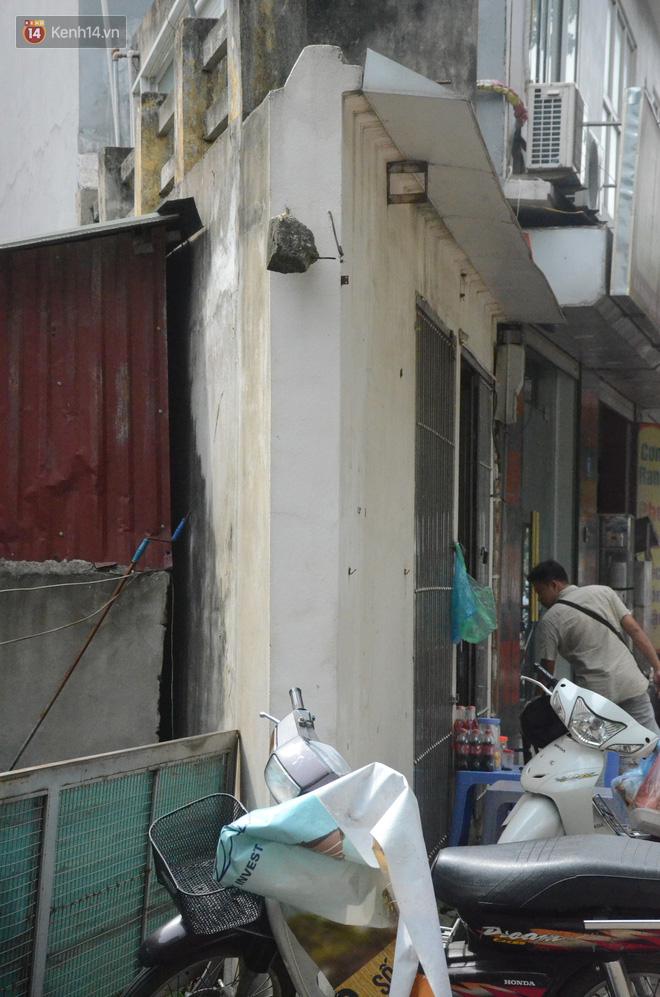 Chùm ảnh: Cận cảnh những căn nhà hình dáng siêu dị ở Hà Nội - Ảnh 2.