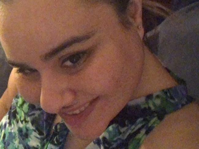 Rùng mình con gái giết và phân xác mẹ bằng phương thức tàn độc, những bài đăng Facebook trước đó của hung thủ gây chú ý - Ảnh 1.