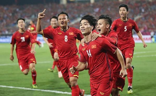 Tuyển Việt Nam tái đấu Thái Lan, quên đi thắng may Kings Cup - Ảnh 1.