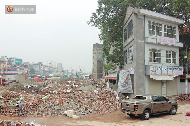 Chùm ảnh: Cận cảnh những căn nhà hình dáng siêu dị ở Hà Nội - Ảnh 11.