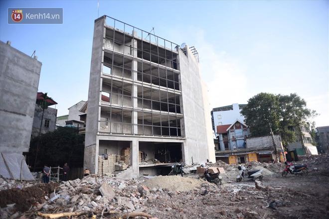 Chùm ảnh: Cận cảnh những căn nhà hình dáng siêu dị ở Hà Nội - Ảnh 5.