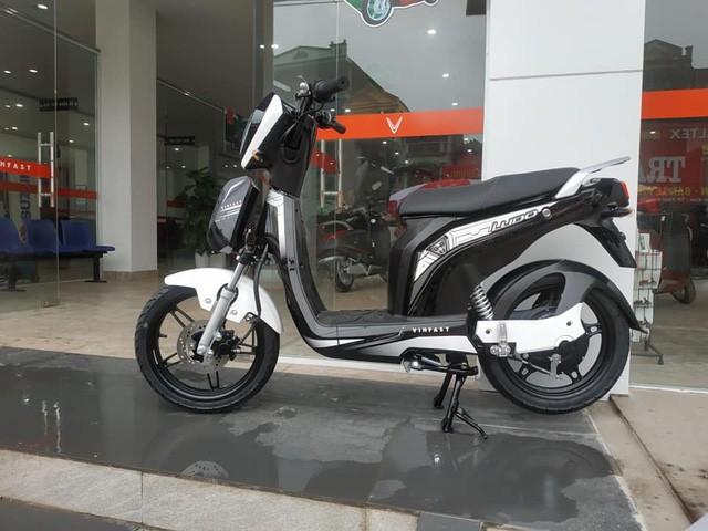 Cặp đôi xe điện mới của VinFast bất ngờ xuất hiện ở đại lý, giá khoảng 20 triệu đồng - Ảnh 6.