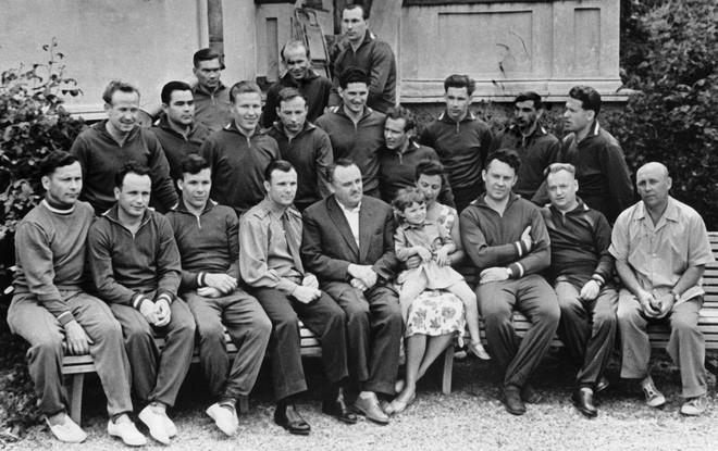 Nước mắt Yuri Gagarin: Bí mật cuối đời đầy đau khổ và tiếc nuối của Anh hùng Liên Xô - Ảnh 2.
