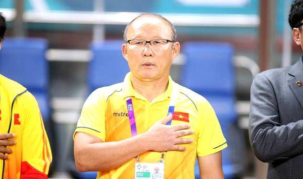 Sau gần 2 năm ở Việt Nam, HLV Park Hang Seo lần thứ 3 đổi mắt kính - Ảnh 2.